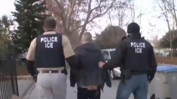 Nuevas tácticas de ICE en vecindarios hispanos
