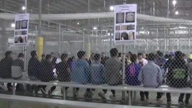 Casa Blanca estudia retomar la separación de familias