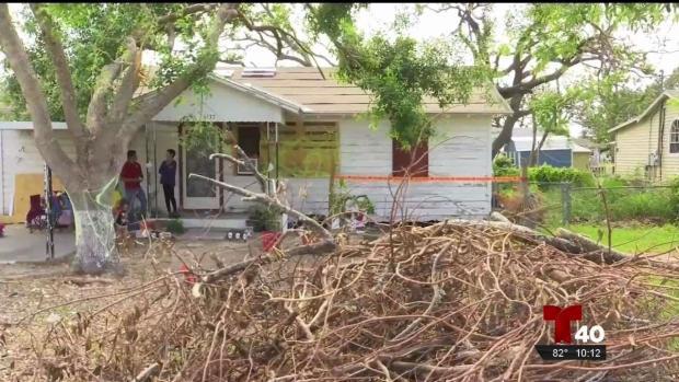 Cómo residentes se recuperan de los daños que dejó Harvey