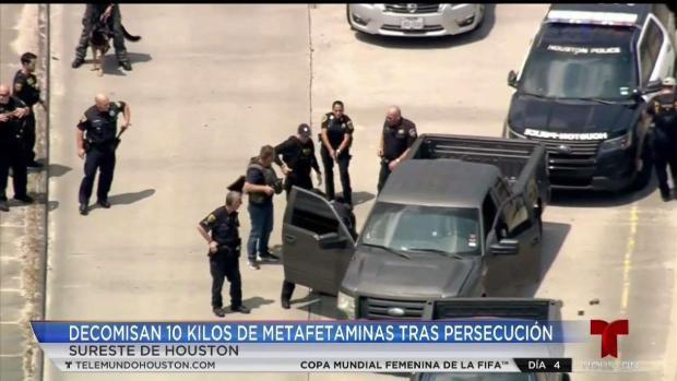 [TLMD - Houston] Con gran cantidad de drogas arrestan a dos tras persecución