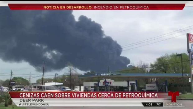 [TLMD - Houston] Dudas entre la comunidad tras incendio en planta química