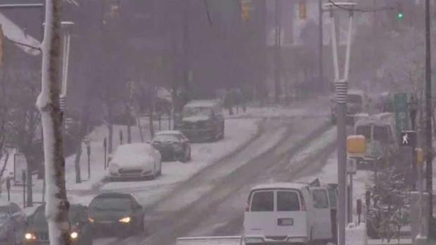 Muerte y caos por tormenta invernal en el sur