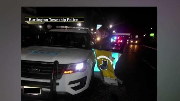 [TLMD - NY] Oficial esquiva la muerte en plena autopista