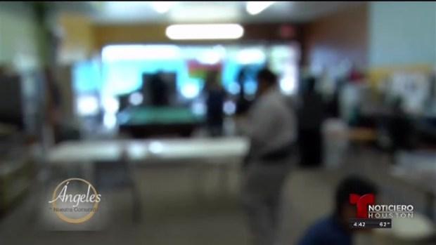 [TLMD - Houston] Ángel comunitario ayuda a personas desamparadas