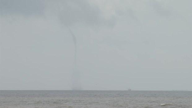 [TLMD - Houston] Video: así quedó captado un tornado en el mar de Galveston