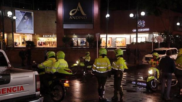 Colombia: tres muertos tras explosión en centro comercial