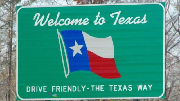 Manejar y textear en Texas, se ponen duros con aplicación de la ley