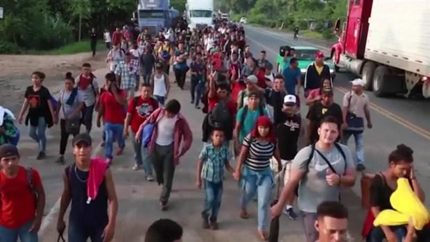 [TLMD - LV] Mexico frena enorme caravana de migrantes