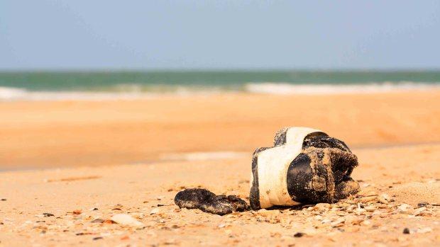 Misterio: la playa donde aparecen pies humanos