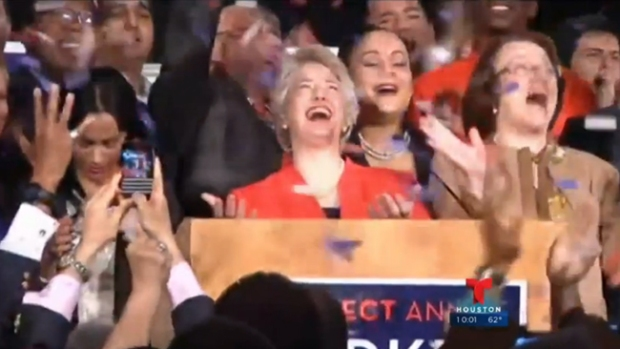 Video: Parker reelecta, el Astrodome agoniza