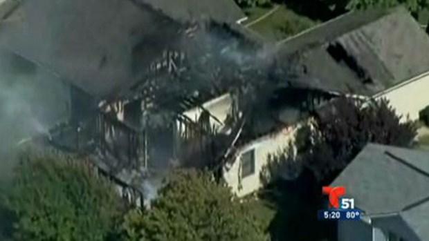 Video: Avión se estrella contra casa