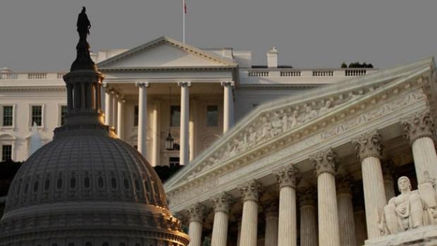 """Video: """"Inaceptable"""" intruso en la Casa Blanca"""