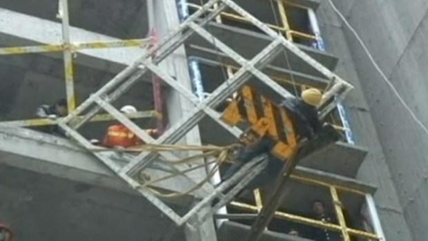 Video: Trabajador queda al borde de la muerte