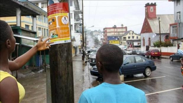Video: Muertos por el ébola dejados en la calle