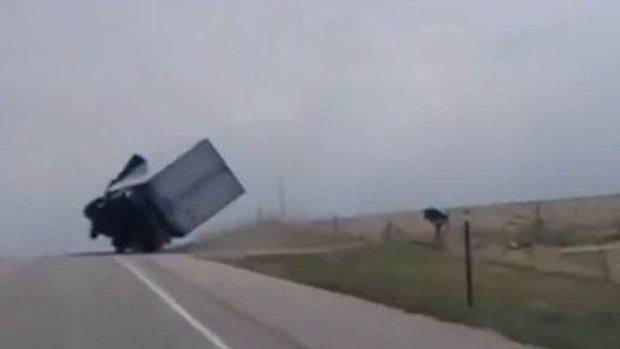 """Video: """"Intervención divina"""" salva a chofer"""