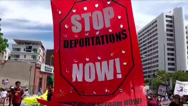Video: Protesta nacional contra deportaciones