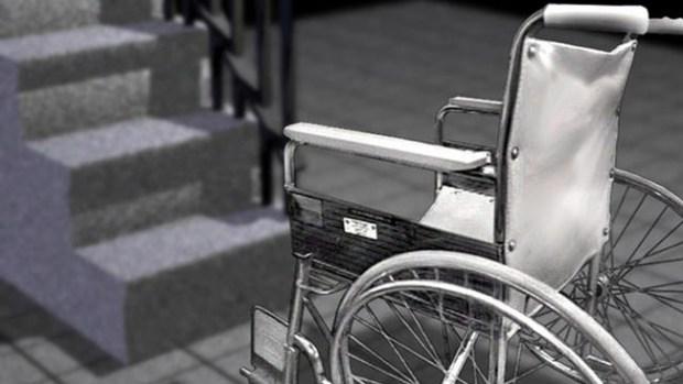 Video: Discapacitada es abusada en parqueo