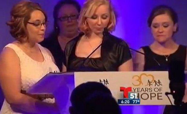 Video: Homenajean a víctimas de Cleveland