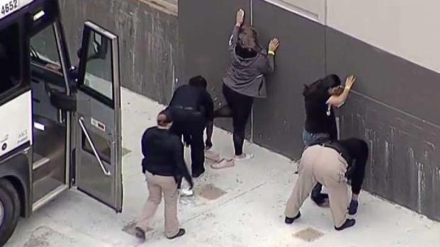 [TLMD - Dallas] Decenas de arrestados en operativo de ICE en Allen Texas