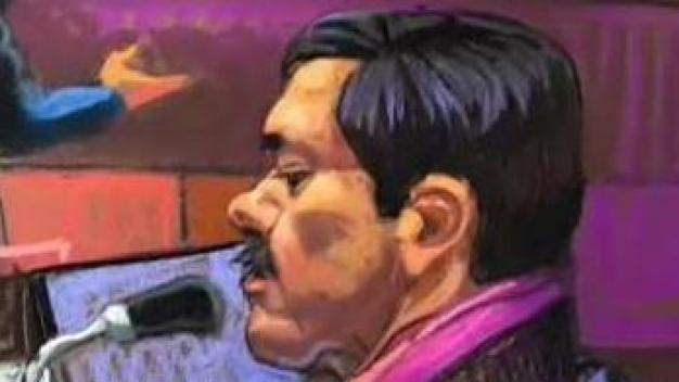 """Con bigote, """"El Chapo"""" escucha su destino"""