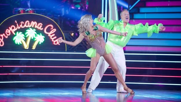 Trump trata de influir en resultado de concurso de baile