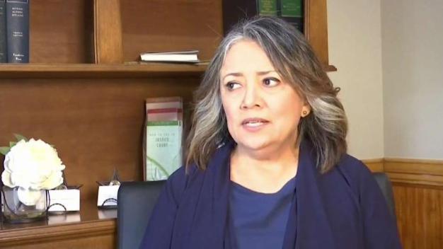 Madre hispana pide que se construya el muro fronterizo