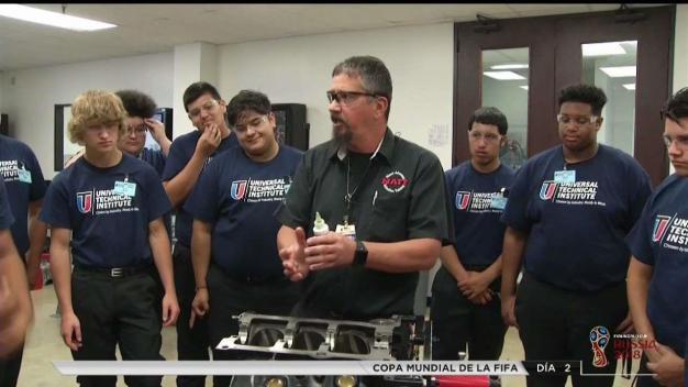 Programa de verano de mecánica automotriz en Houston