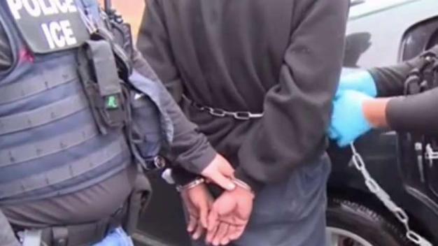 ICE: crecen arrestos contra personas sin pasado criminal