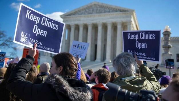 En Texas no cesa lucha política tras fallo sobre ley de aborto