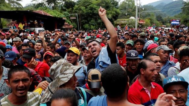 Trump amenaza a Honduras por caravana de migrantes
