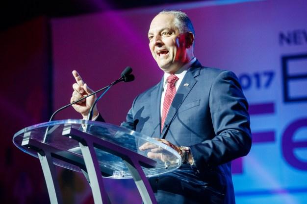 Demócrata gana reelección como gobernador de Luisiana