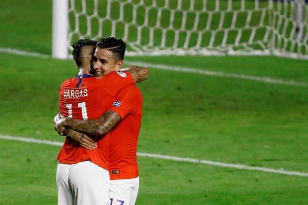 Gol de Chile: Pulgar se crece con fulminante cabezazo