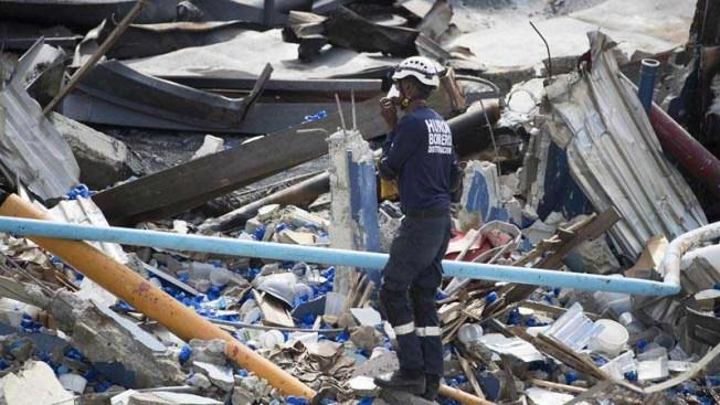 Suben a 8 los muertos por explosión de fábrica en Santo Domingo