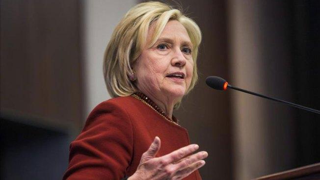 Clinton critica a republicanos por inmigración