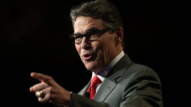 Campaña de Perry deja de pagar a su personal