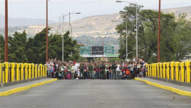 Tensa deportación de colombianos en Venezuela