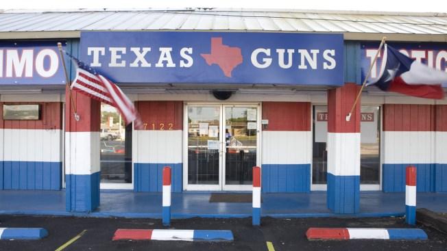 Muchos reclaman control, pero Texas afloja leyes de armas