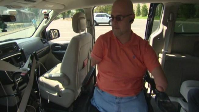 Conduce Uber sin brazos ni piernas