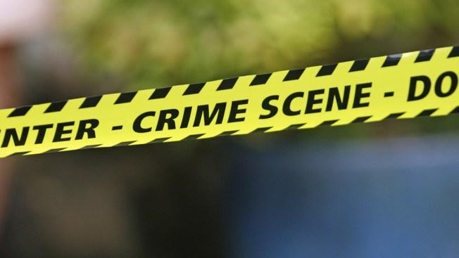 Un baleado por policía en intento de robo en condado Harris