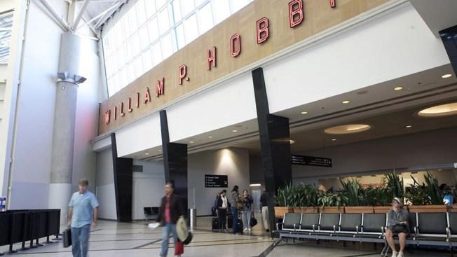 Aeronave aterriza de emergencia en aeropuerto Hobby