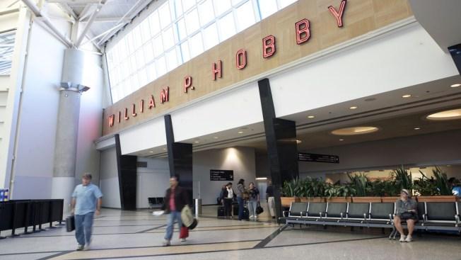 Restablecen servicio de agua en aeropuerto Hobby
