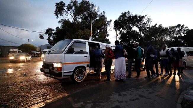 Sangrienta guerra entre taxistas deja 11 muertos