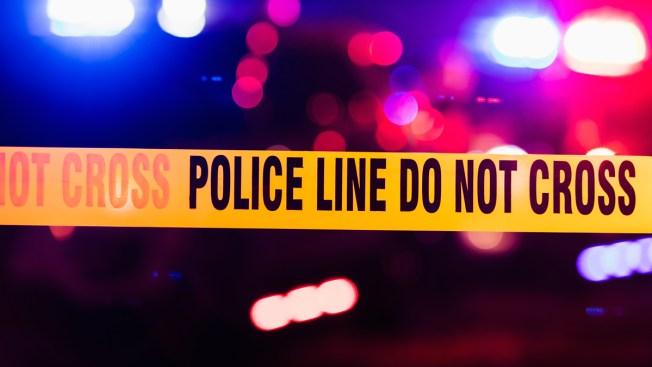 Hombre sin vida es encontrado en medio de la calle al sureste de Houston