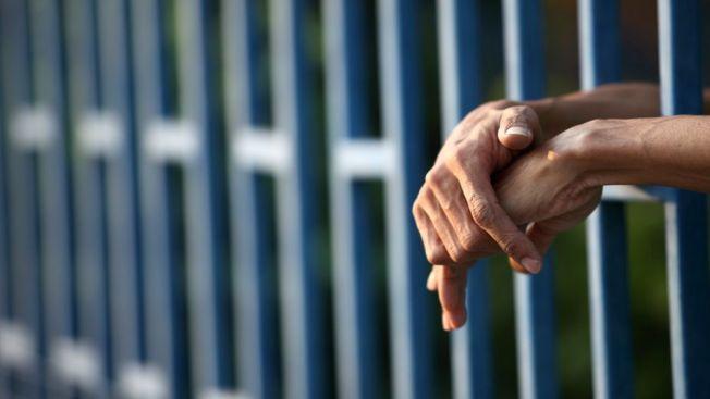 Asesina serial se casa en prisión mexicana