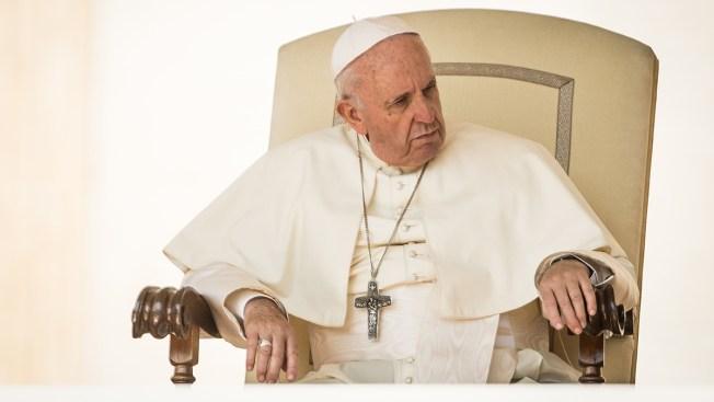 """Papa insiste que abortar es como """"contratar a un sicario"""""""