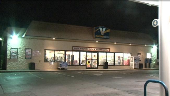 Asaltantes roban 3 tiendas en una hora