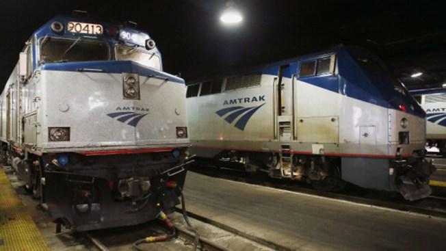 4 personas apuñaladas en tren Amtrak