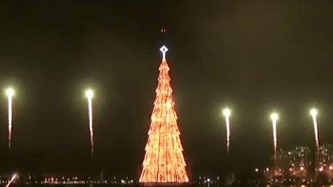 Espectacular árbol de Navidad en Brasil