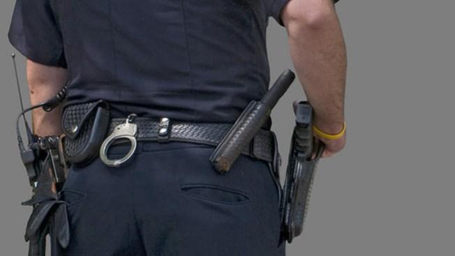 Suicidio rodea investigación a policías