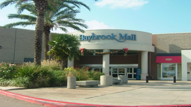 Reportan asalto sexual en Baybrook Mall